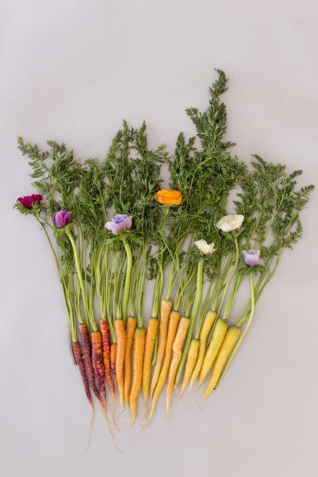 bouquet de carottes et d'anémones
