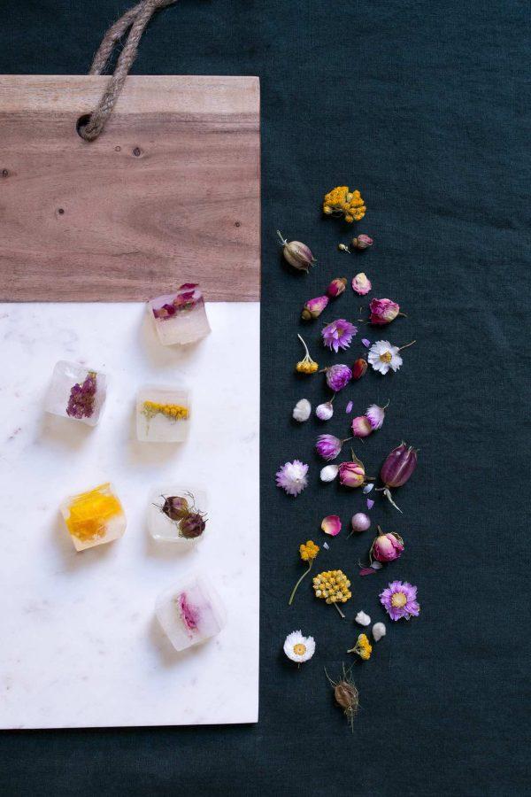 glaçons avec fleurs